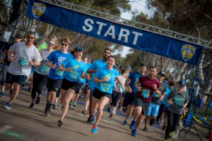 Pictured: UCSD Community running at the start line